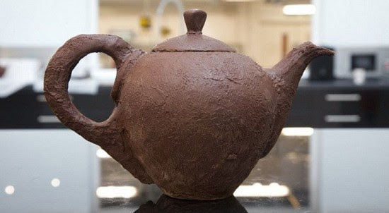 chocolate-teapot-550x302
