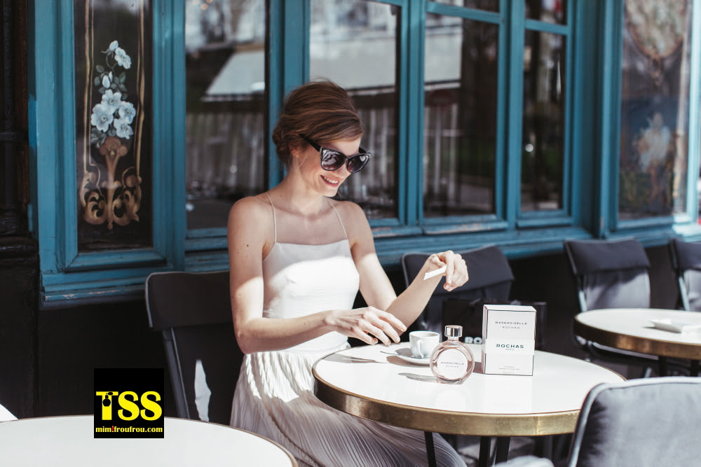 Mademoiselle_Rochas_cafe_terrace_Paris_Mimi_Froufrou_com.jpg
