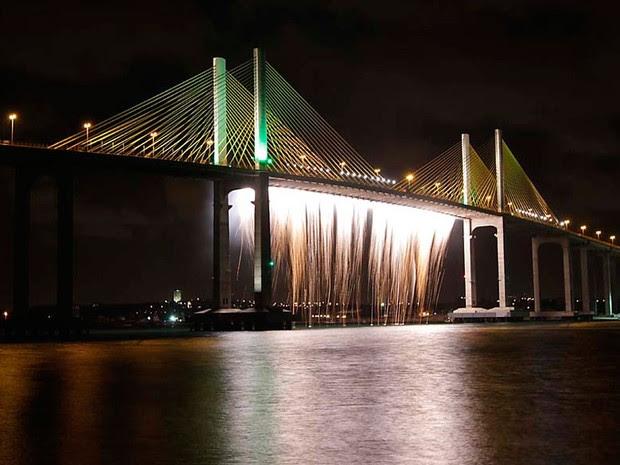 Ponte Newton Navarro, em Natal, é considerada a mais alta estrutura estaiada (suspensa por cabos) do país (Foto: Canindé Soares)