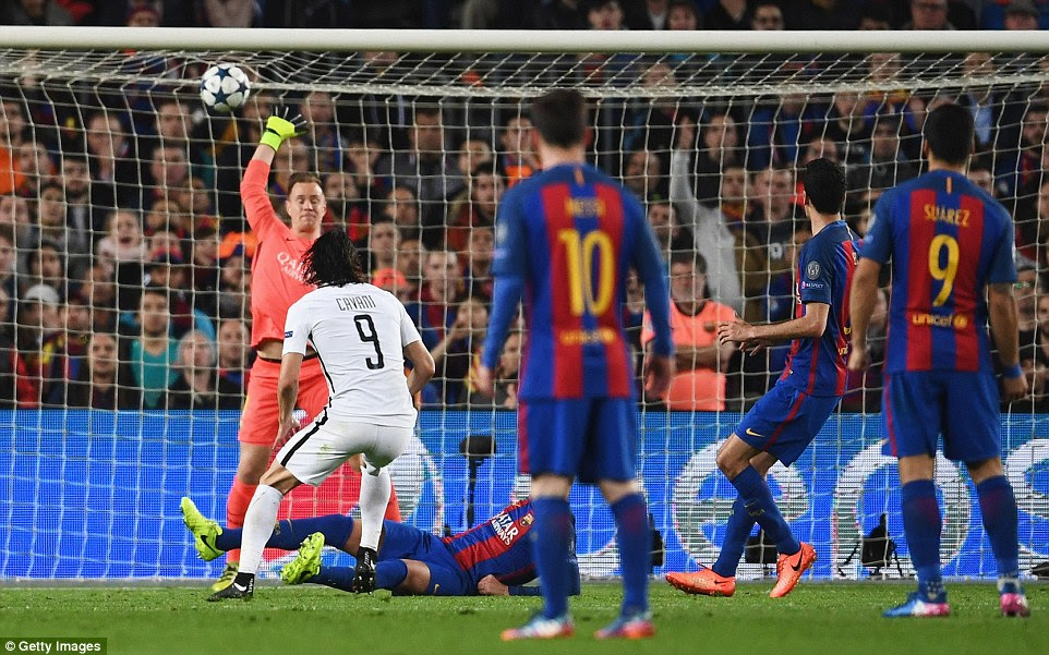 PSG striker Edinson Cavani silences the Nou Camp as he scores the all-important away goal for the Ligue 1 side
