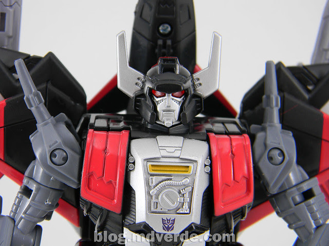 Transformers Sky Shadow Deluxe - Generations - modo robot