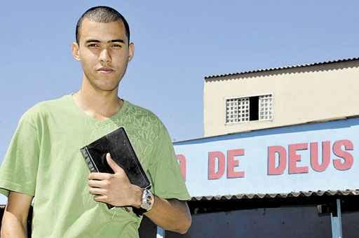 O evangélico Mikael mora em Samambaia, onde há mais seguidores da religião (Antonio Cunha/Esp. CB/D.A Press)