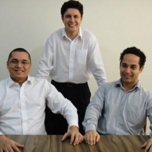 Os sócios (da esq. para a dir.) do escritório de contabilidade Capital Prime Cristiano Freitas, 24, Ricardo Souza, 29, e Adriano Brito, 27