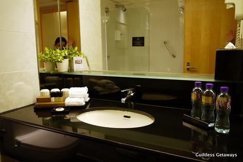 regal-airport-hotel-hong-kong.jpg