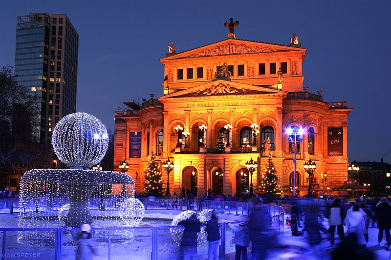 Pilt:Alte Oper Frankfurt Winter 2008.jpg