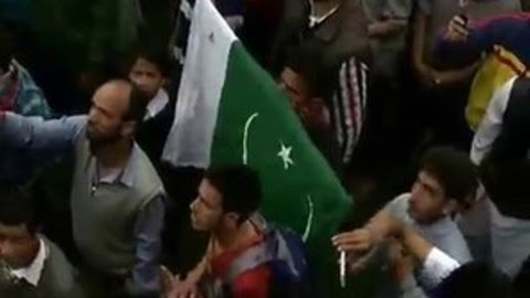 How much People of Jummu Kashmir Loves Pakistan