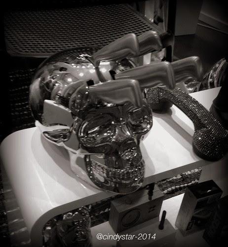 knifeholder skull