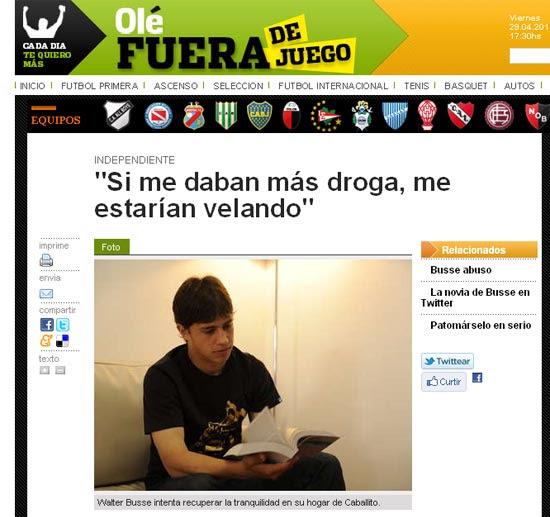 O jogador argentino Walter Busse em seu apartamento após sofre o golpe