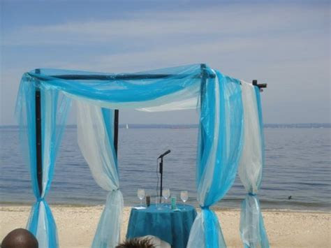 Timika's blog: how to make a backdrop on wedding columns