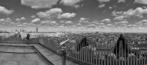 The lone photographer above Paris - Fuji X10 panorama