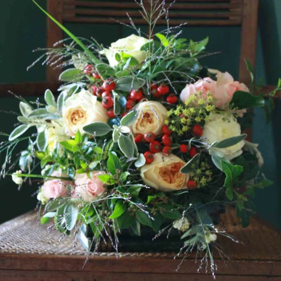 A Year In Wedding Flowers Seasonal Flowers For Your Big Day