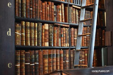 Huele a libros viejos y cuidados