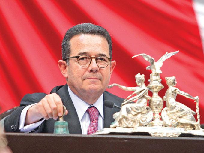 Francisco Arroyo, presidente de la Cámara de Diputados, comentó que se pospuso hasta abril la reforma al IFAI, para concentrarse en la de telecomunicaciones. Foto: Mateo Reyes/Archivo