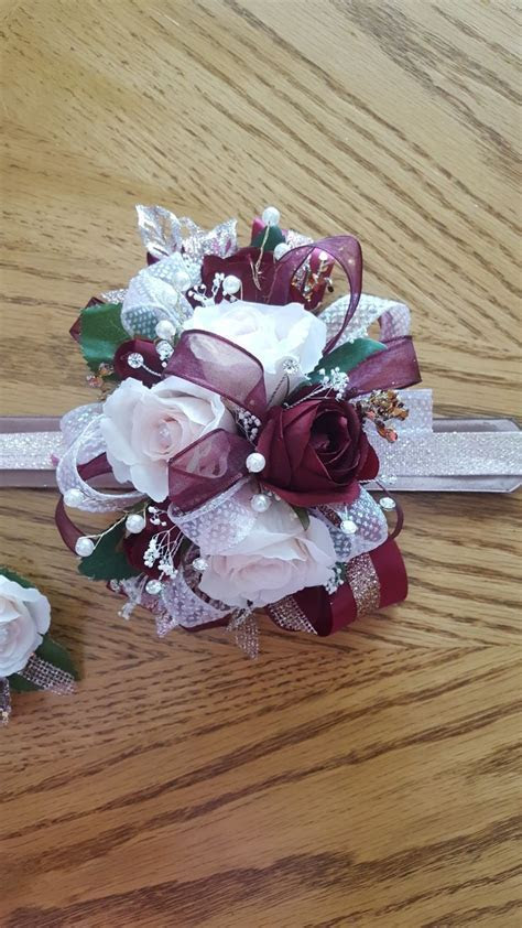 Best 25  Homecoming corsage ideas on Pinterest   Corsages