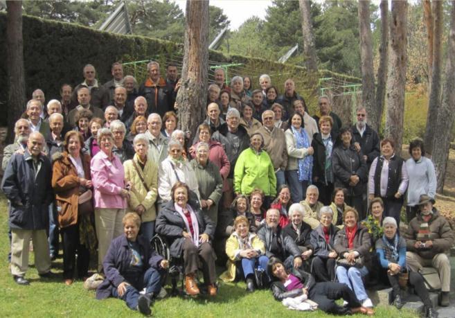 Gran parte de los jubilados en una foto de grupo.