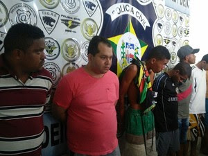 Grupo é suspeito de participação nos incêndios a ônibus em Maceió em junho (Foto: Lucas Leite/G1)