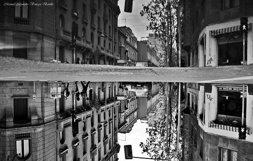 Santiago de Chile, el mundo al revés by Alejandro Bonilla