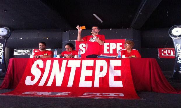 Categoria decidiu pela manutenção da greve, decretada pela segunda vez no dia 29 de maio / Foto: reprodução/Facebook do Sintepe