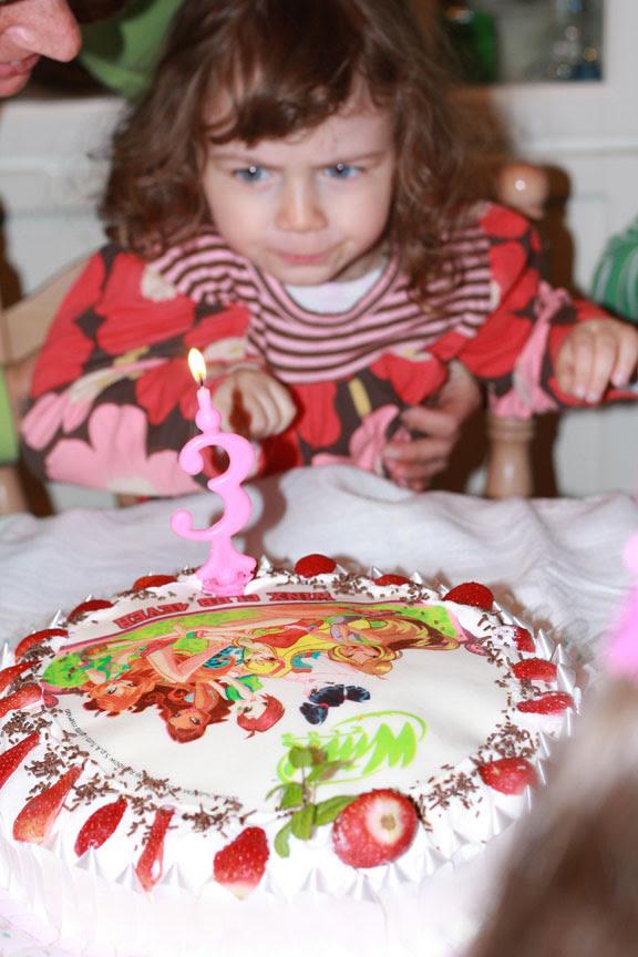 bianka with the birthday cake