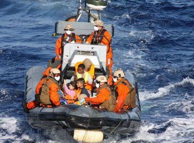 Navio espanhol resgata 651 imigrantes no Mediterrâneo que fugiam da África