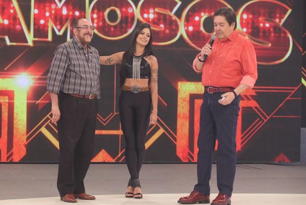 Miele e Aline Riscado se despedem do Dança dos Famosos 2014 (Foto: Pedro Curi/TV Globo)