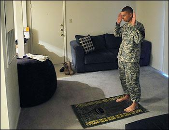 http://lstcccme.files.wordpress.com/2010/04/soldier.jpg