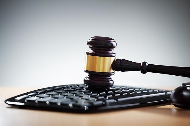 Usuários que reproduzem mensagens de pornografia infantil podem receber sanções, diz advogada