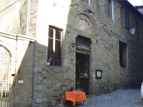un restaurant à Sienne.jpg