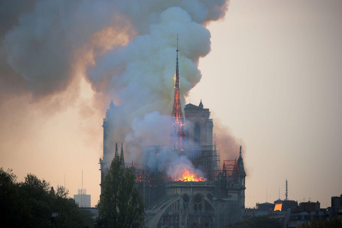 Notre Dame, Catedral, incêndio