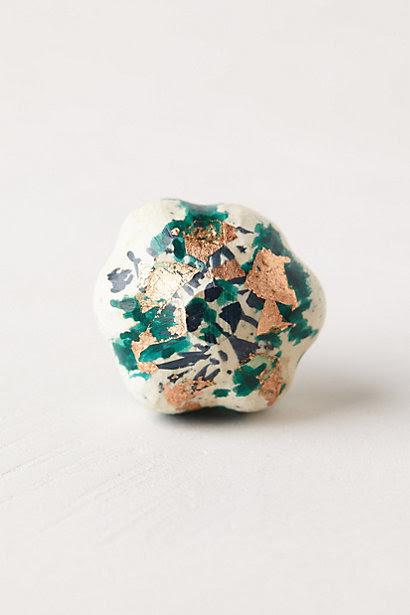 Gold-Flecked Blossom Knob