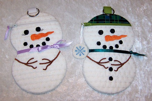 Snow Couple Zipper Cases