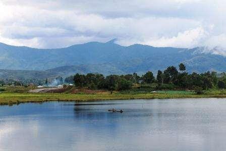 5 Danau Paling Unik Hanya di Indonesia