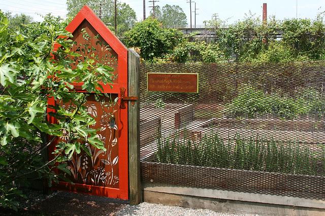2_veggie_garden_gate