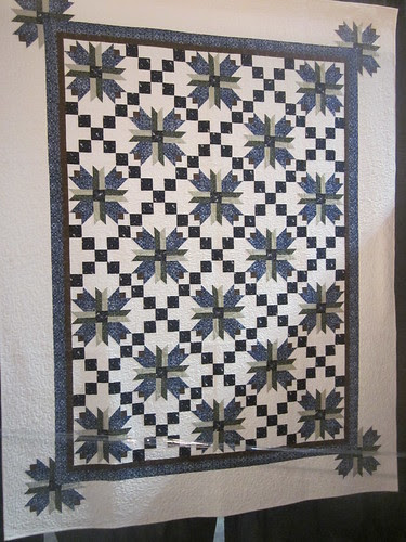 Meadow Lily by Joan Cooper, quilted by Beth Lura of Hemet, CA