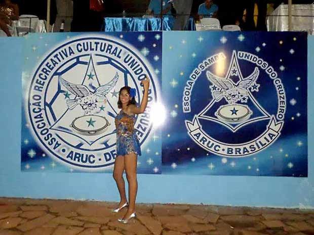 A modelo Thaynara Ramos na quadra da escola de samba Aruc (Foto: Thaynara Ramos/Arquivo pessoal)