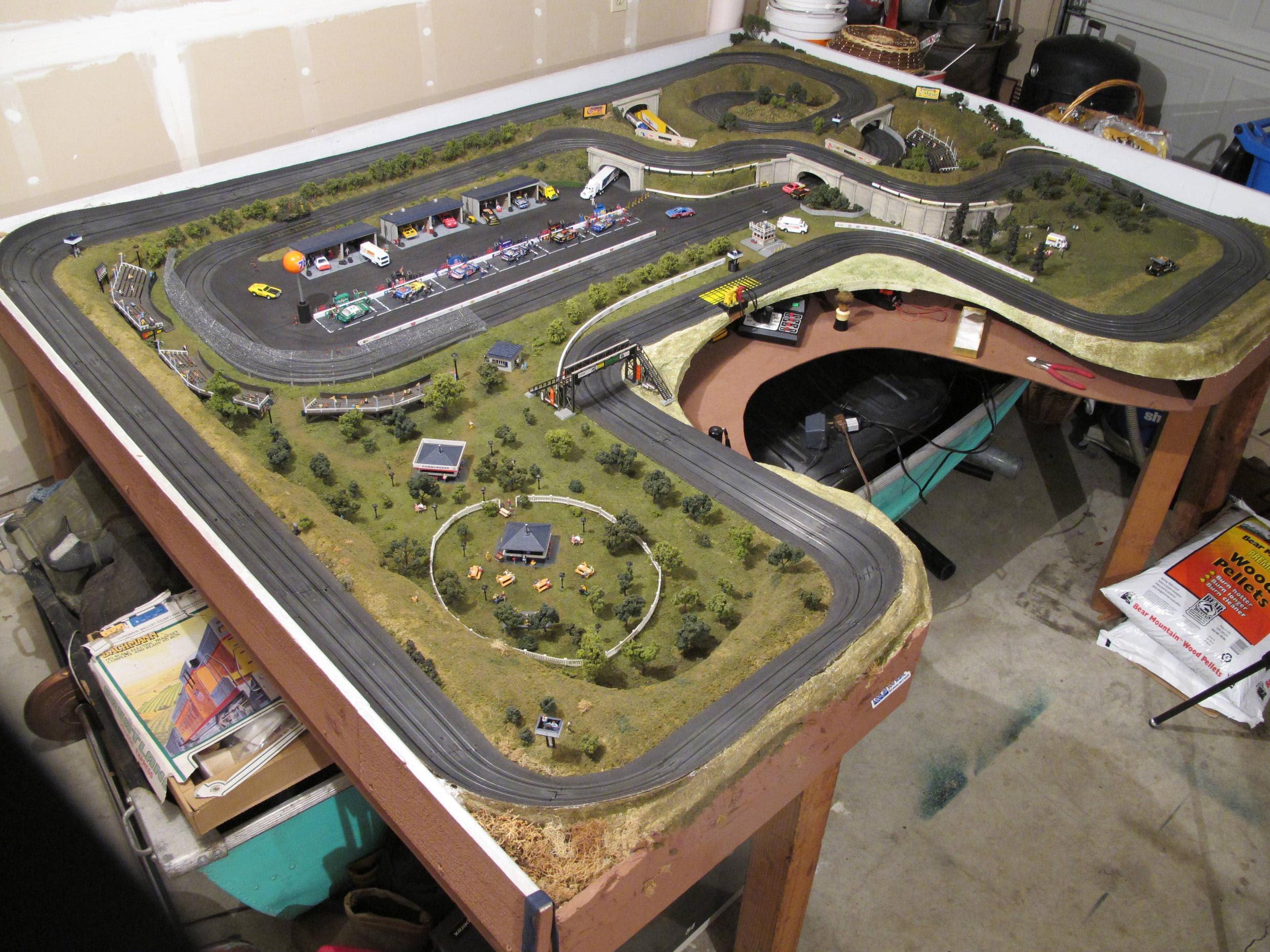 Ho slot track layouts