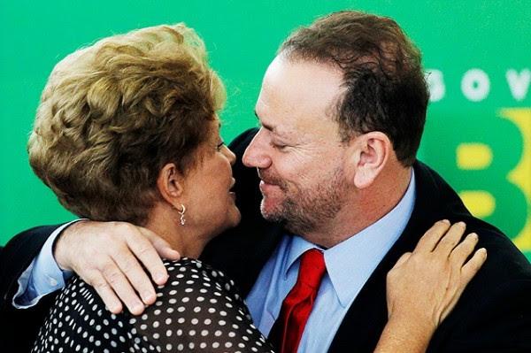 Dilma e Edinho na posse deste