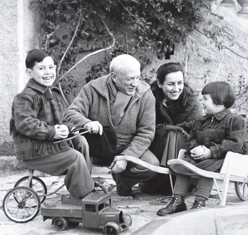 Picasso with Francois, Paloma, andClaude