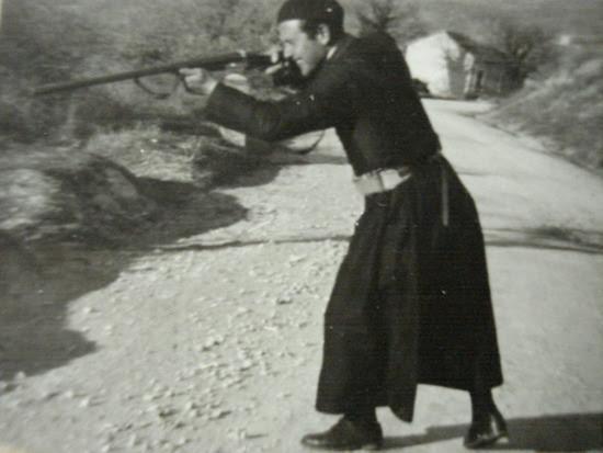 Risultati immagini per foto di parroco cacciato