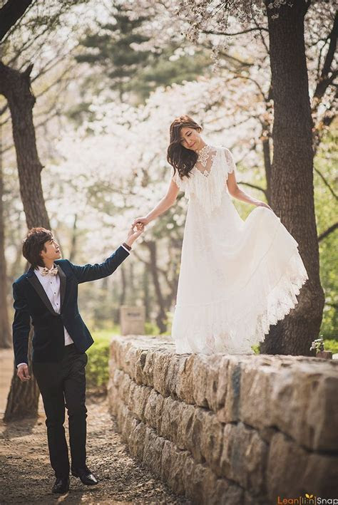 The 25  best ideas about Pre Wedding Photoshoot on
