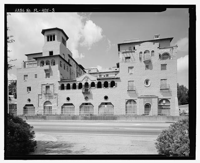 View of front facade of El Vernona Hotel, facing west (includes 2.5 m stadia) - El Vernona-John Ringling Hotel, 111 North Tamiami Trail (U.S. Highway 41), Sarasota, Sarasota County, FL