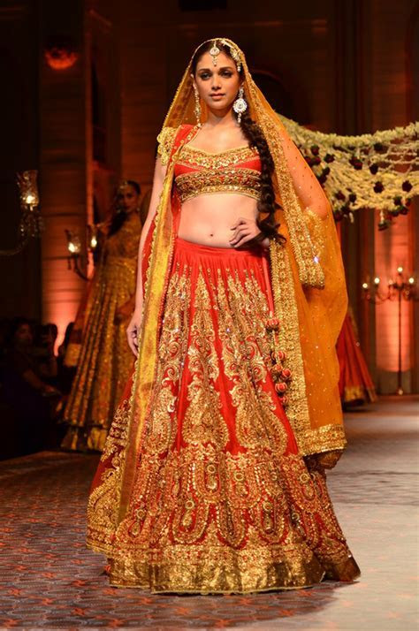 Wedding dresses for girls   Trending Indian Bridal Outfits