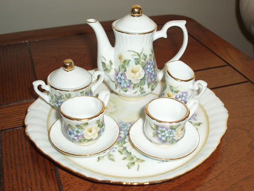 miniture tea set