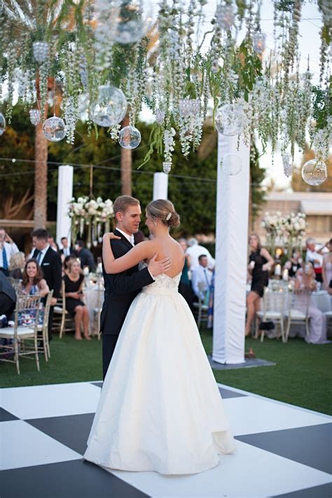 Sophisticated Garden Inspired Wedding in Phoenix, Arizona