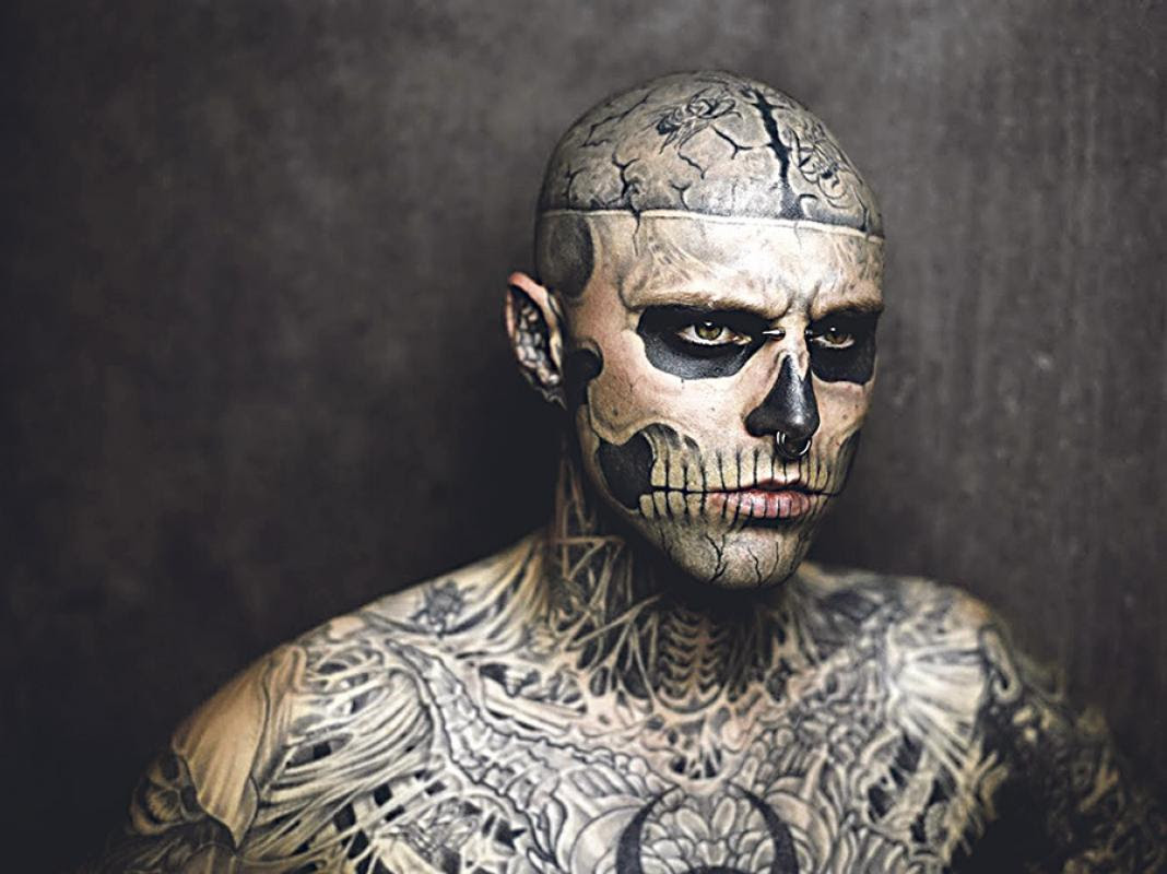 Diario Extra Viene El Más Tatuado Del Mundo