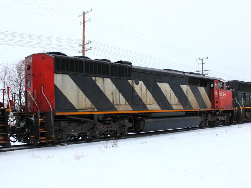 CN 5524 in Winnipeg