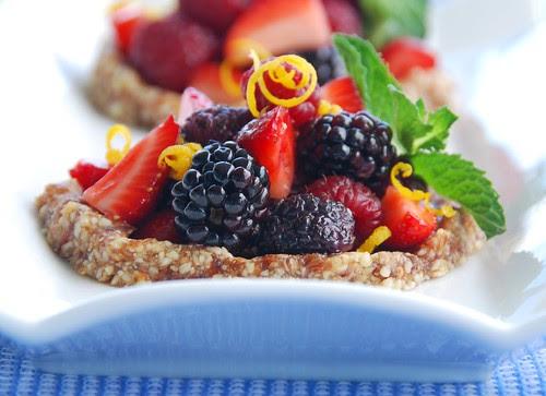 raw berry tartlets super close