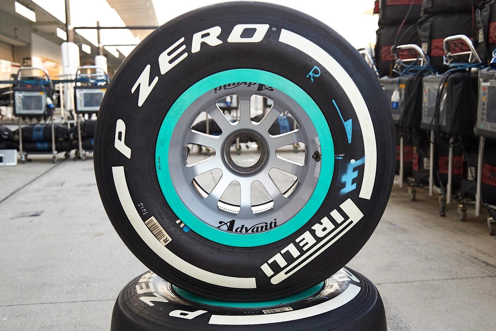 Mercedes Amg Petronas Drivers Have Mixed Suzuka Practice Autoevolution
