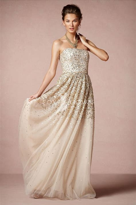 How to Embellish Simple Wedding Dresses?   The Best
