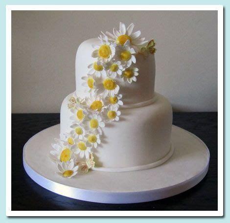 11 best Daisy Wedding Cakes images on Pinterest   Daisy